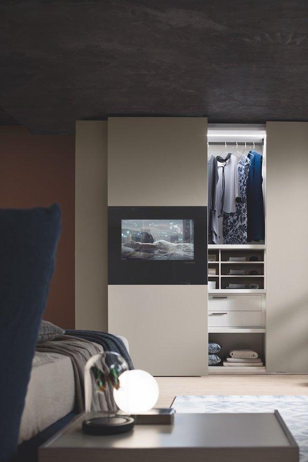 Armadio Con Tv A Scomparsa.Armadio 2 Ante Scorrevoli Con Smart Tv 40 I Loft Arredamenti
