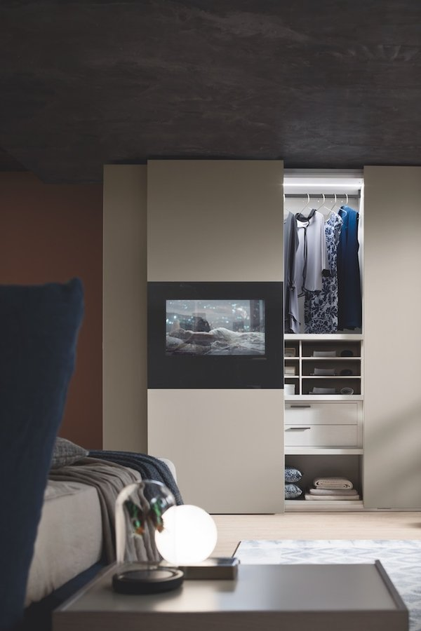 Armadio 2 Ante Scorrevoli con SMART TV 40""